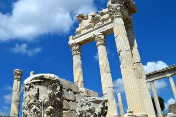 Pergamon and the tragedy of the temple