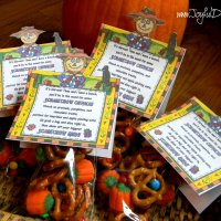 SCARECROW CRUNCH- Fall Treats Make Adorable Gifts