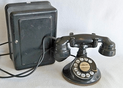 A very old AT&T phone from the 1930s.