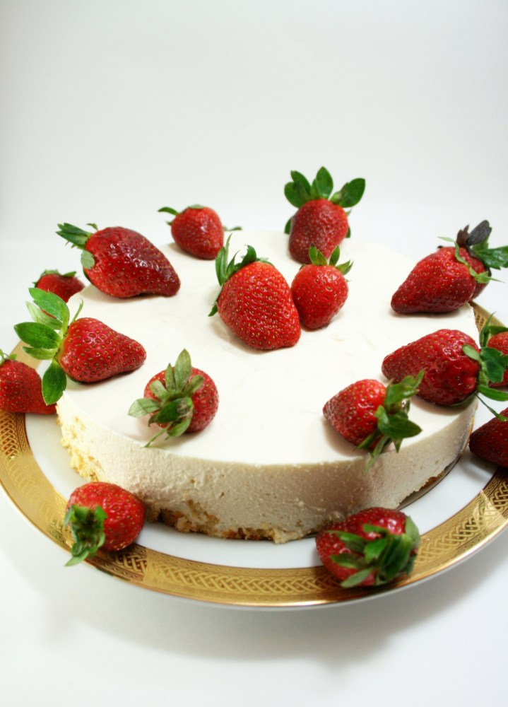 Chilled Strawberry Cheesecake  (1/6)