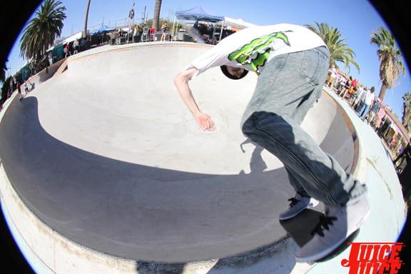 Greg Lutzka and his fedora poolside