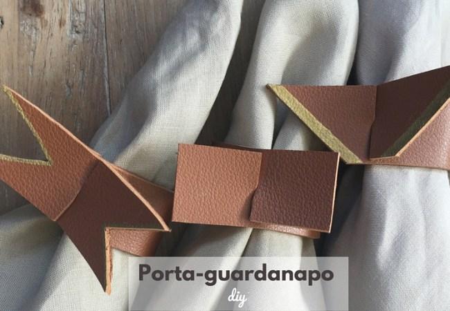 DIY-Porta guardanapo: Para quem gosta de criar e arrumar uma mesa bem bonita para receber com estilo e personalidade, dou uma idéia diferente de porta-guardanapos.