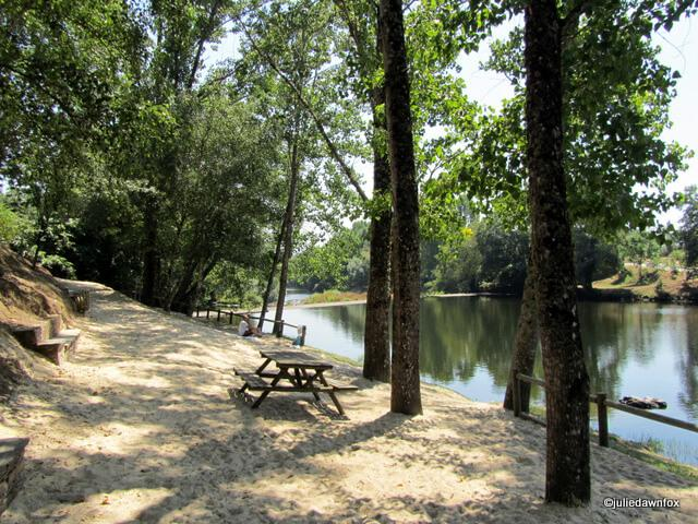 Plenty of shade at Cascalheira river beach, central Portugal