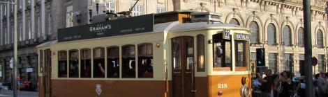 Wooden tram, Porto