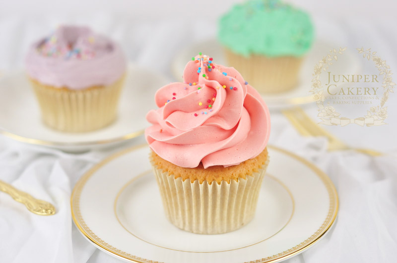 How to frost cupcakes with buttercream by Juniper Cakery