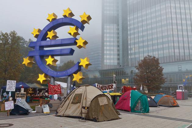 BCE Activistas acampados frente a la sede del Banco Central, en Francfort.