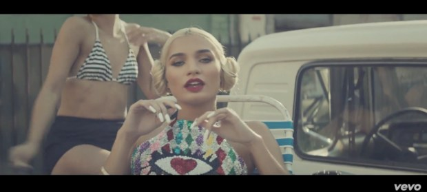 pia mia touch music video watch