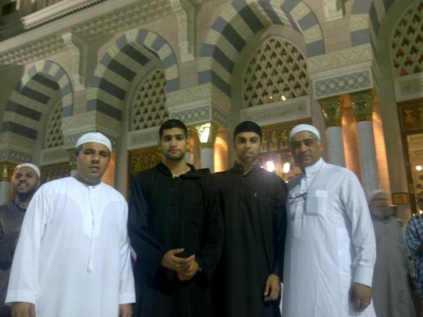 Boxer Amir Khan performs Umra