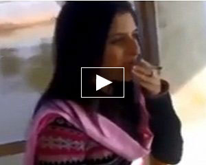 pakistani-girl-smoking