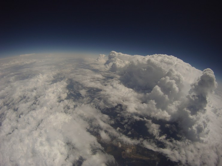 Near-Space Picture of Cloud Head