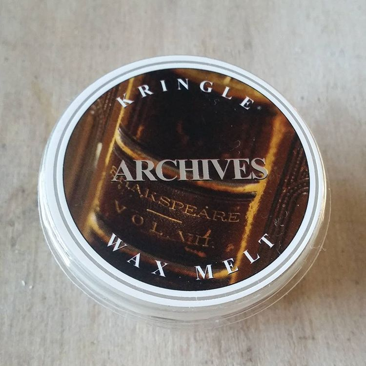 Kringle Candle Archives