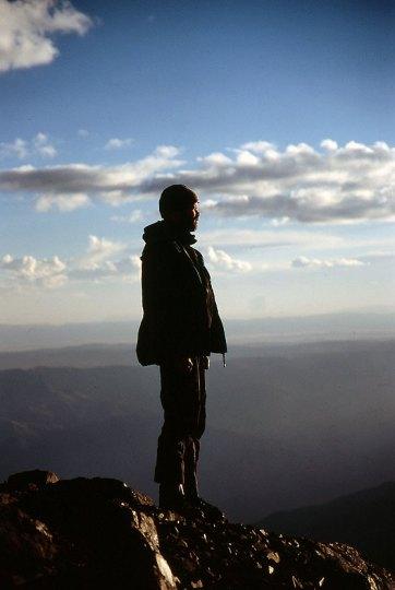 Hans Jakob Rogstad ved Nido de Condores (5400 moh.) high camp Illimani (6439 moh.) i Bolivia. Foto: Morten Hostvedt.