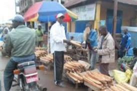 Labé :quand les commerçants récusent les billets de cent francs guinéens