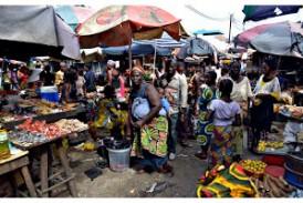 Société-Boké: des jeunes filles et dames attirées par la vente à la sauvette sur les voies publiques
