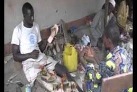 Dabola: Les revenus d'un jeune handicapé cordonnier