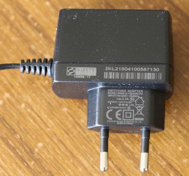 Power supply untuk akses point DIR-500M