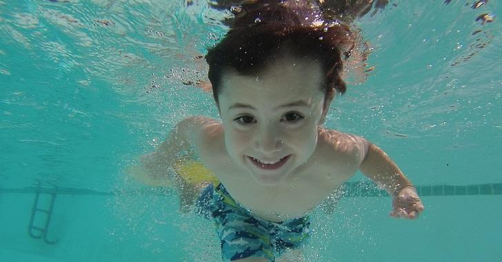 子どもが泳げるようになる水泳の...