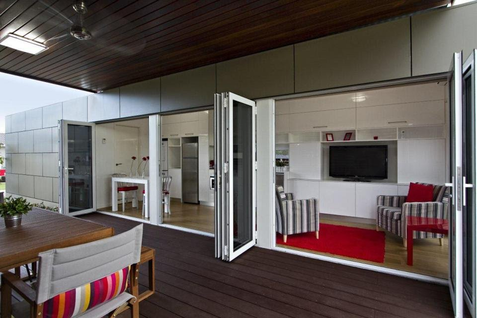 Homes Designs Out Of Shipping Container Offers Perfect Floor Plan