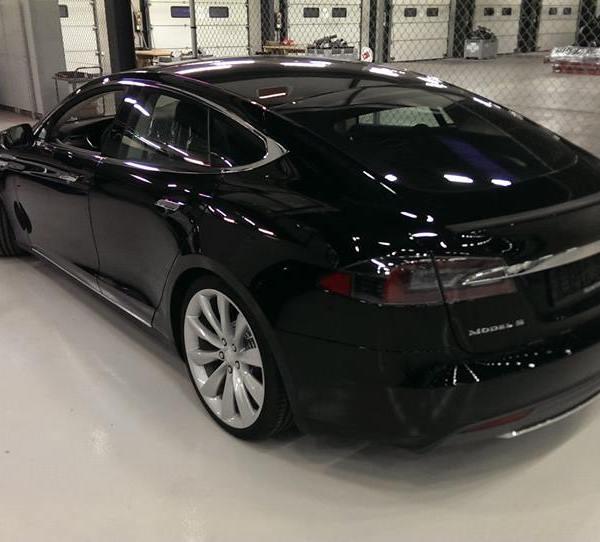 Model S lai 3