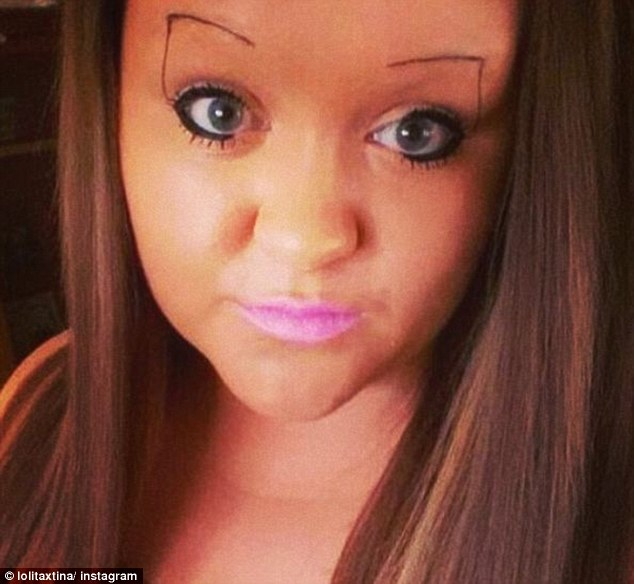 2A8B981F00000578-3162111-Traditional_arched_brows_are_shunned_in_favour_of_a_bizarre_righ-a-14_1436959482622