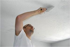 Как правильно побелить потолок?