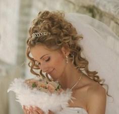 Как правильно выбрать свадебную прическу