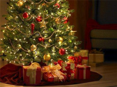 Елку подвязывать новогоднюю