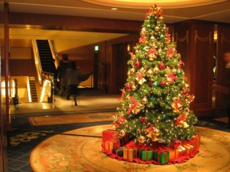 Как правильно украшать новогоднюю елку?