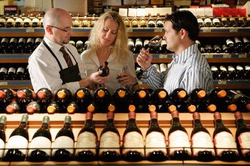 Как правильно выбрать вино в магазине?