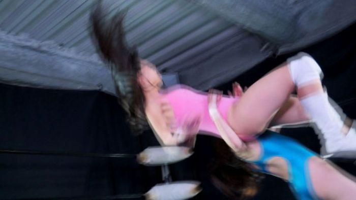 いきなりぶん投げる!柊衣織、全力のバックドロップで水嶋アリスが悶絶!