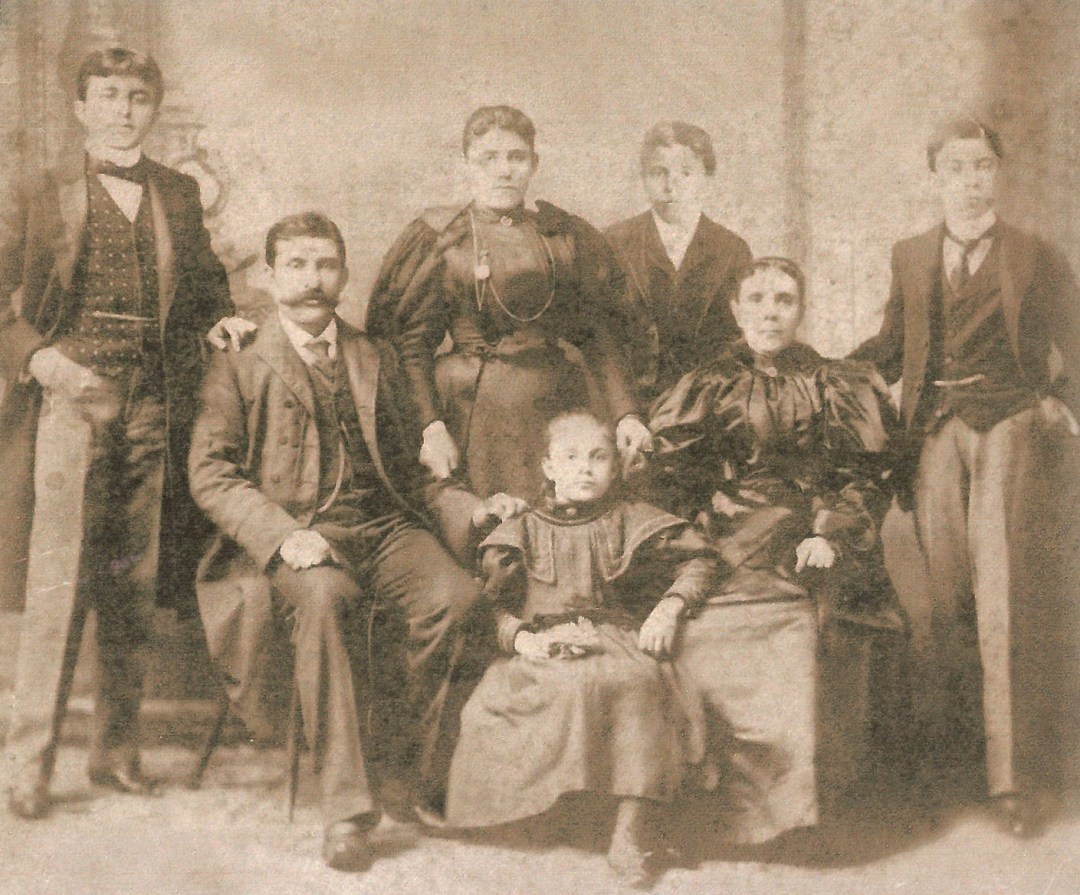 The Rihani Family in New York,  1898. Courtesy of Ameen Rihani Museum,  Freike, Lebanon.