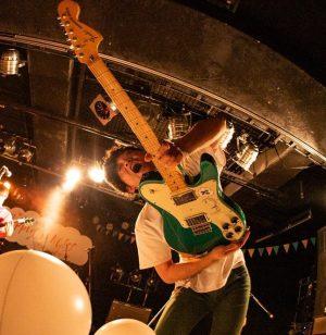 ナードマグネットギター