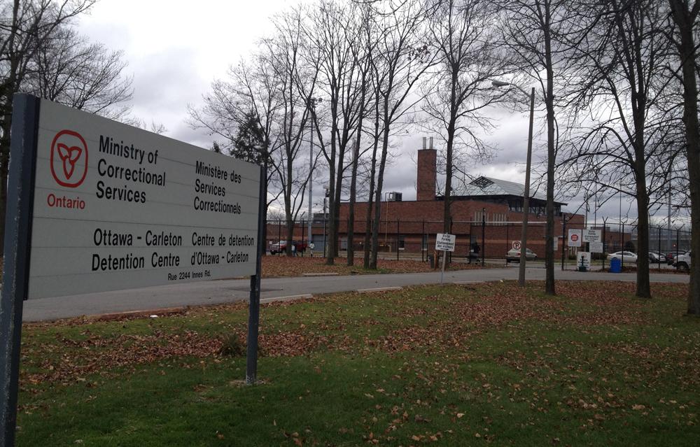 Kanadai mikrofon (8): Embertelen körülmények Ottawa büntetés-végrehajtási intézetében