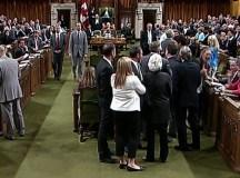 Botrány, dulakodás Kanada parlamentjében.
