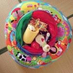 リビングのおもちゃ収納はシンプルに