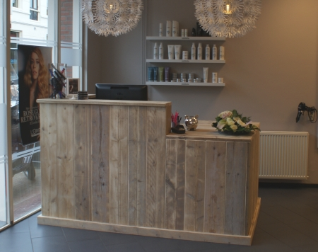 De nieuwe look van kapsalon kappers inc de kapper in for Kapper meubels