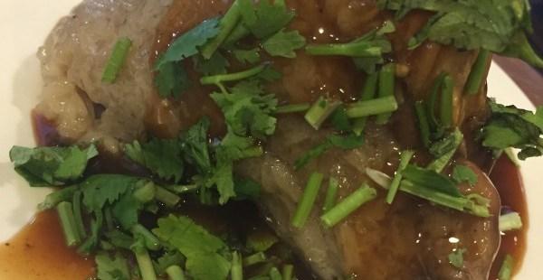 台南グルメ 劉家粽子 地元の人が集まるボリューム満点の豪華な「ちまき」を食べてみた