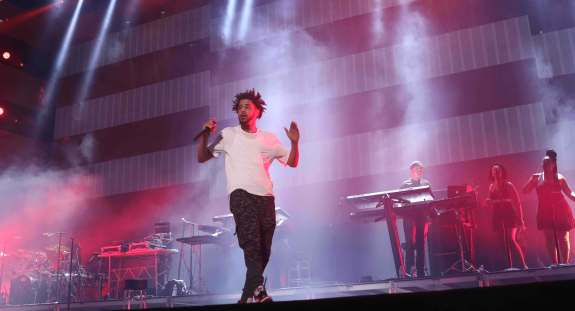 J. Cole performing at made in america 2015
