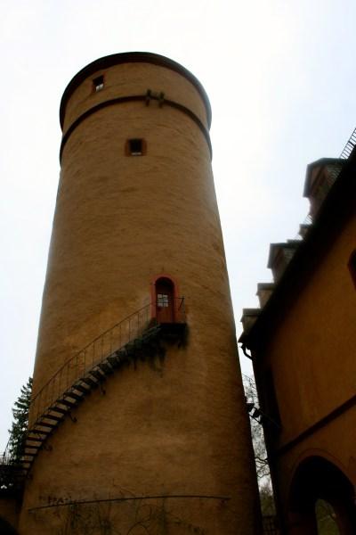 I would seriously live here.  -Schloss Mespelbrunn