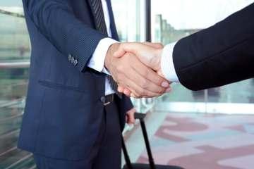 travel-handshake