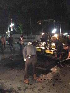 Pengaspalan di Mitsubishi Krama Yudha Jakarta Timur Jasa Pengaspalan KONTRAKTOR Pelapisan Jalan area Parkiran Pengaspalan Hotmix
