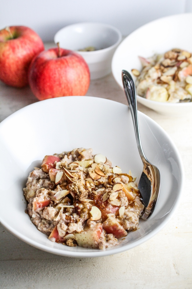 Easy Apple Pie Oatmeal {Katie at the Kitchen Door}