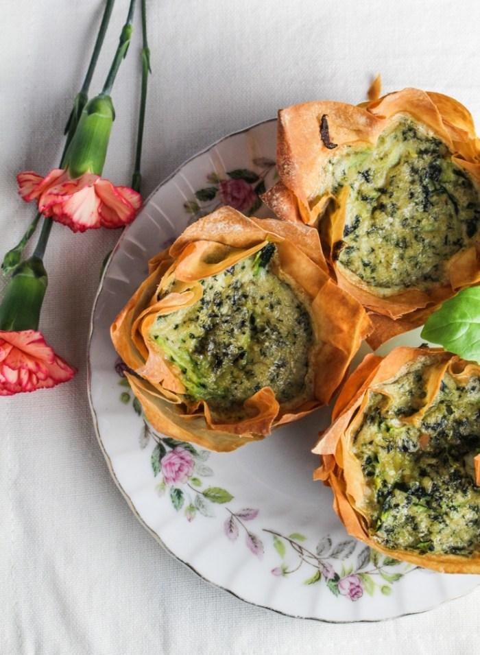 Zucchini-Pesto Mini Quiches in Phyllo Cups {Katie at the Kitchen Door} #brunch #recipe