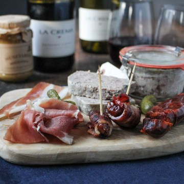 Charcuterie 101: Assembling a Board {Katie at the Kitchen Door}