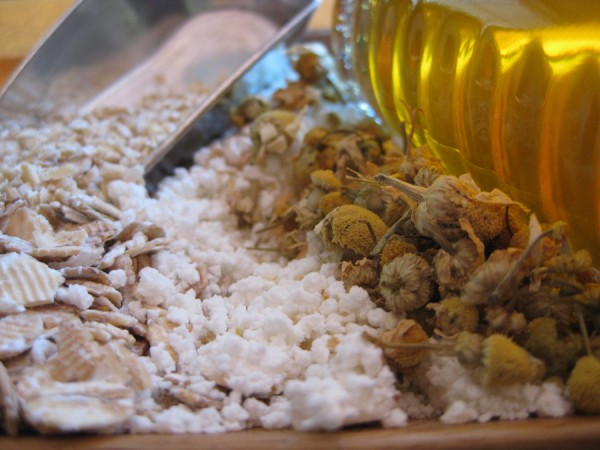 DIY Skin Care: Calming Oatmeal Facial from katienormalgirl.com | #DIY #natural #beauty