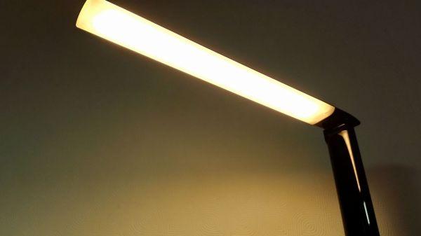 aukey-led-desk-lamp(lLT-T10)034