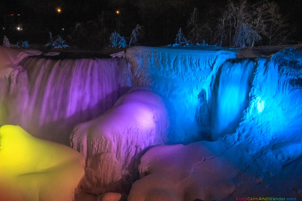 Frozen-Niagara-Falls-at-Night-16.jpg?res
