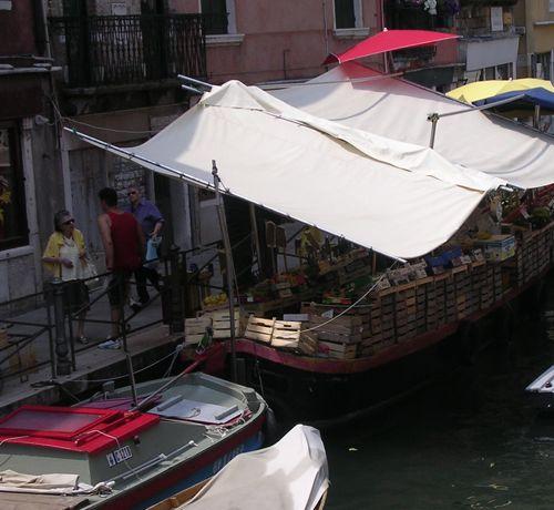 DSCN5867boat.jpg
