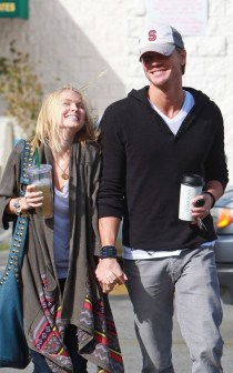Chad-Michael-Murray-and-Kenzie-Dalton-Coffee-Shop-Couple-chad-michael-murray-16527841-500-800