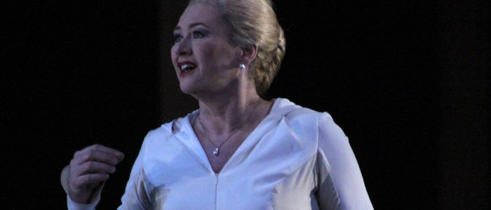 Kelly Cae Hogan sings Elisabeth